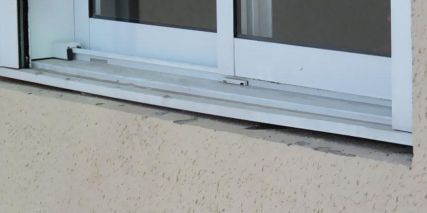 Infiltração originária da fachada e desarquivamento da planta de prefeitura