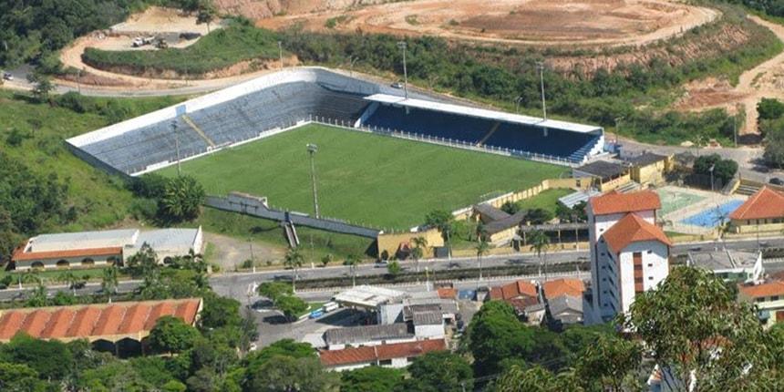 Vistoria no Estádio Municipal Leonardo Barbiere em Águas de Lindóia