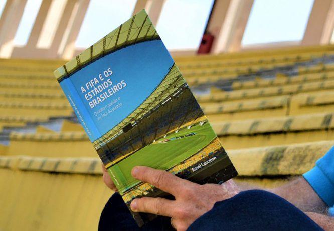 Livro - A Fifa e os Estádios Brasileiros